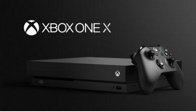 Xbox One X z napisem